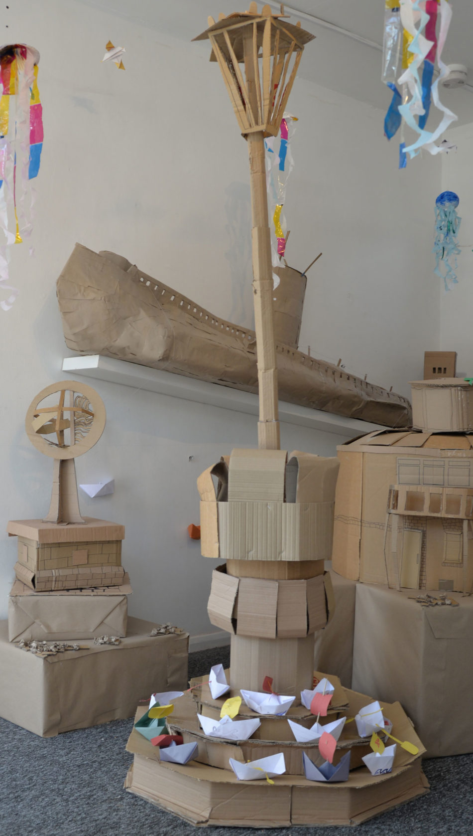 Cardboard Coast (lamppost and submarine)